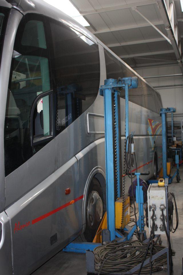 bus repair car service